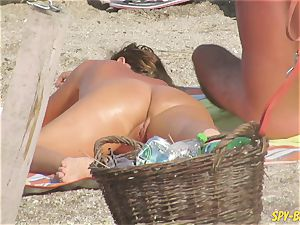 amateur nudist spycam Beach - Mature Close Up cootchie