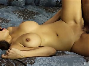 Mercedes Carrera knew she had been a naughty chick. She was waiting for
