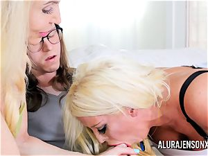 Erica Lauren and Alura Jenson vagina nailing trio