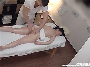 super slim dame Getting massage of Her Life