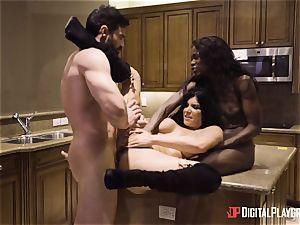 Romi Rain and Ana Foxxx snatch porking 3