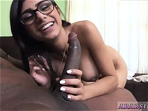 inexperienced arab suck Mia Khalifa tries A large dark-hued schlong