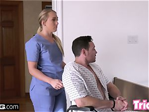 Trickery pawg AJ Applegate has lovemaking on the job