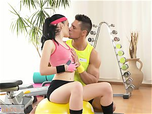 fitness rooms cock-squeezing fresh nubile has large orgasm