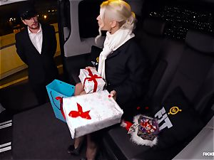 penetrated IN TRAFFIC - Christmas car fuckfest with Swedish stunner