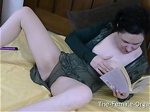 horny unshaved mummy Reads Book For onanism fantasies