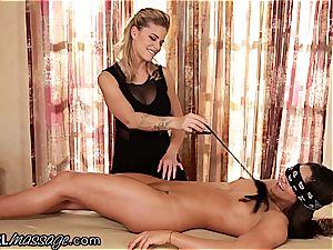 delightful stunner Jessa Rhodes taunts, tickles and licks innocent Aspen