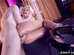 Monster meatpipe glides into delicious honeypot fuck hole of Jessie Volt