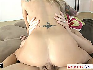 tatted blonde Sarah Jessie screwing