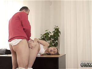 Ginger nubile Stranger in a gigantic building knows how to warm you up