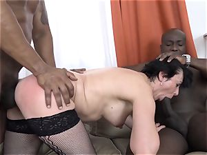 cheating instructing Wathcing wifey have very first multiracial