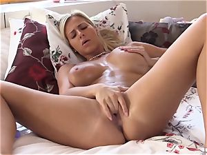 QUEST FOR ejaculation - Czech ash-blonde climaxes in hot solo