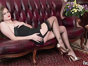 brunette bursting to spunk in vintage harness nylons jack
