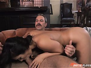 Eva Lovia porked deep in her fleshy pussy pie pudding by anchorman