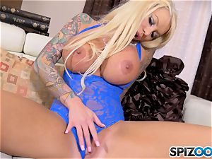blondie big-chested babe Lolly Ink solo masturbation