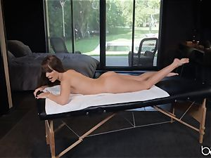 Kimmy Granger romped by suspended german massagist