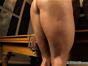 Buff platinum-blonde inserts meaty glass faux-cock in her beaver