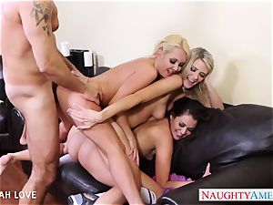 wondrous Aaliyah love ravaging in 4some