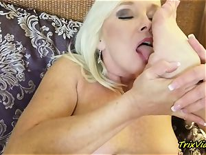 cougar getting off and Toe deepthroating climaxes with Ms Paris