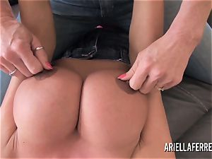 yam-sized jug playtime with Ariella Ferrera and Deauxma