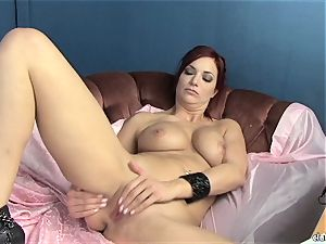 voluptuous Jayden Cole luvs teasing her edible raw love button