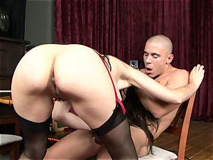 super-sexy Sasha Grey enjoys the taste of spunk splooge in her mouth
