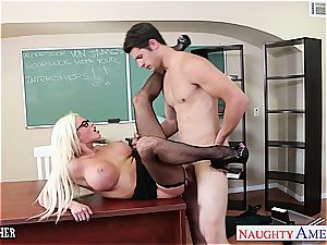 sex lecturer Nikita Von James nail