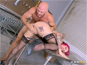 hot manager Anna Bell Peaks rails her workers stiffy