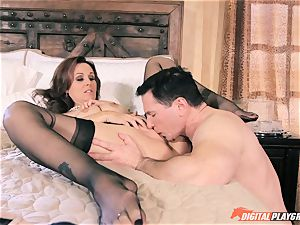 Julia Ann gets her poon nailed by John intense