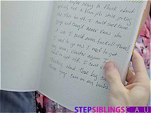 Stepsis blackmailed to plumb brutha to keep her messy secrets